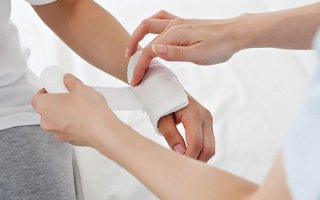 Причины появления инфекций в ране: пути проникновения и признаки заражения