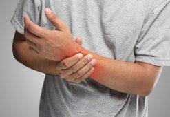 Резаная рана на руке: опасность и первая помощь