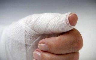 Первая помощь при ранении в вену или артерию: правила остановки крови