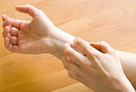 чешется шрам на руке